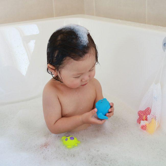 Floating-Friends-Bath-Fun-and-Storage-Set-5
